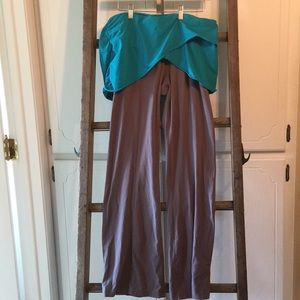 Cute Lucy yoga pants size xl with teal skirt